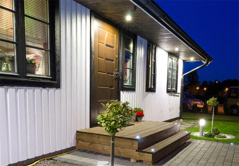 Illuminare l esterno di una casa ecco come fare etal for Obi illuminazione